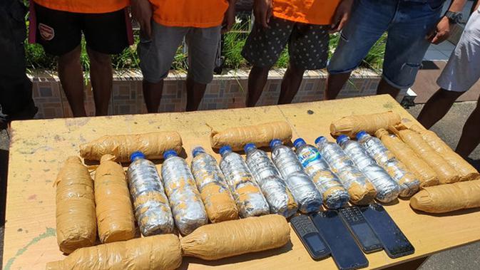 Pria Asal Maluku Bawa Ratusan Kilogram Merkuri Ilegal ke Bitung